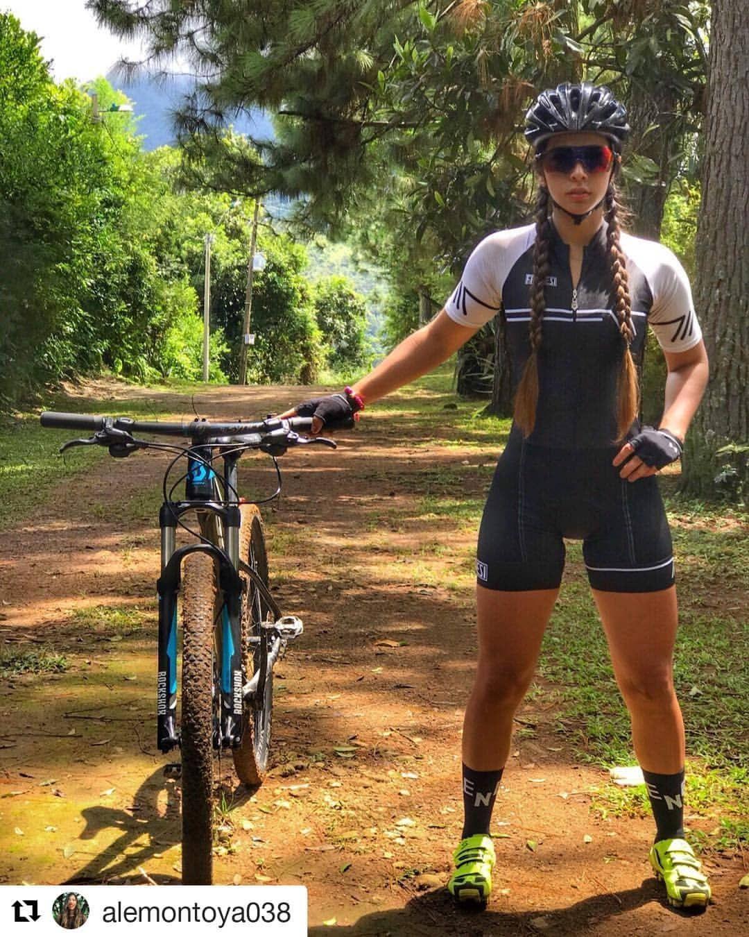 "31cda4f85 Giro Bike Team auf Instagram  "" Repost  alemontoya038 ( get repost) ・・・ con  mi Azuleja 🙋🏻 ♀ 🚲💕 .  cyclingwear  frenesi  colombia  hechoencolombia  ..."