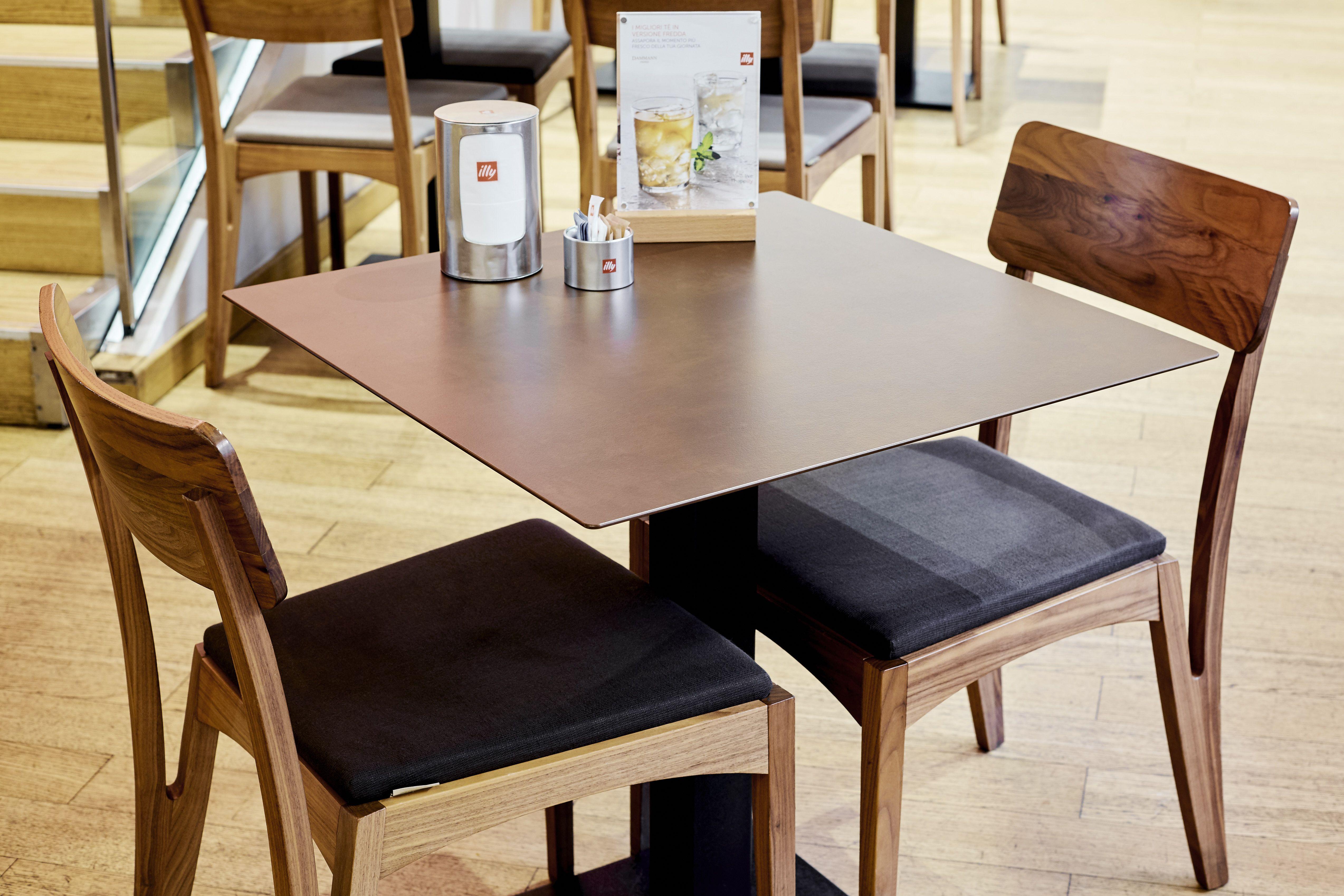 Tavoli Sedie Sgabelli.Ristorante Mobili Arredamento Tavoli Sedie Sgabelli
