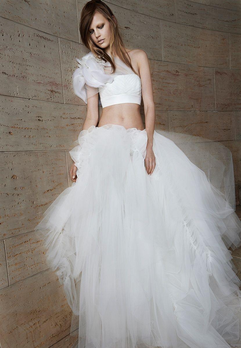 Vera Wang unconventional bridal dress - reminds me just a little bit ...