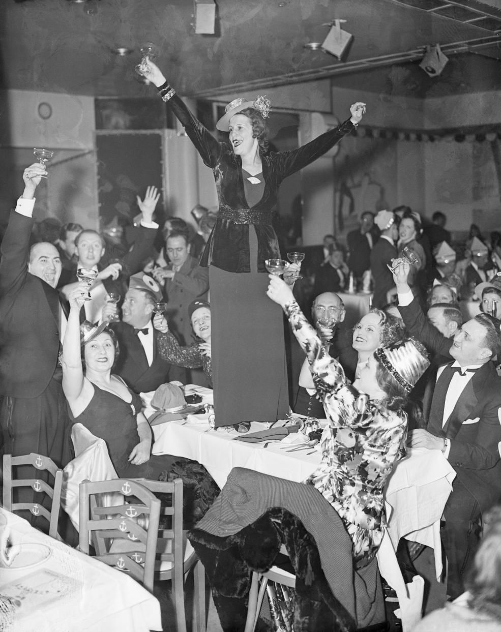 11 vintage photos of endearingly raucous parties of New
