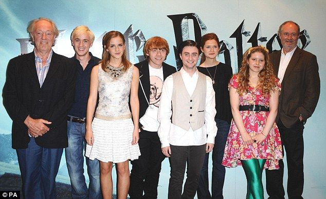 Read All About Emma Watson And Tom Felton Relationship Google Search Harry Potter Scene Bonnie Wright Harry Potter Actors