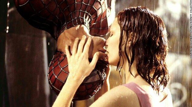 Beso De Spiderman Escena Epica Besos De Película Fotos De Besos El Hombre Araña Pelicula