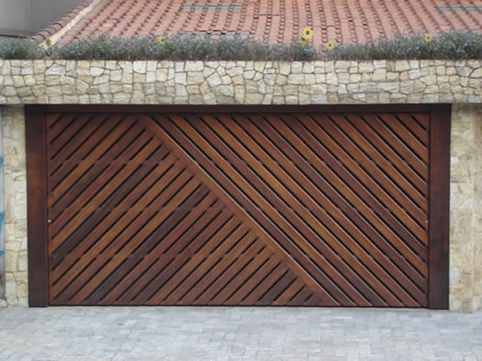 Unusual Door Designs From Brazil Part 2 Garage Doors With Style Core77 In 2020 Garage Door Design Garage Doors Unique Garage Doors