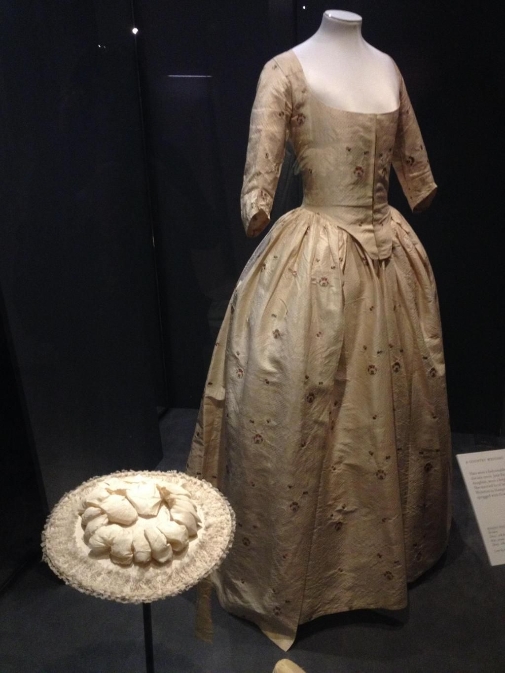 Wedding Dresses at the V& A 18th century hat. | Slightly Twisted ...