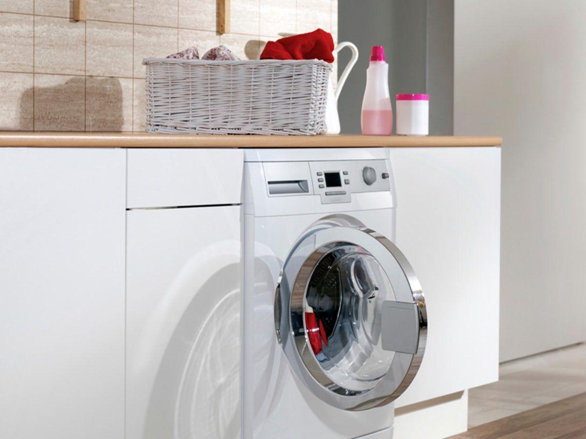 9 Laundry Tips That Prove Vinegar Is Liquid Magic Laundry Loads