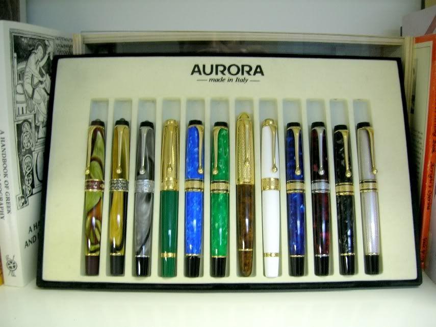 Aurora Italian Flag. Green fountain pen