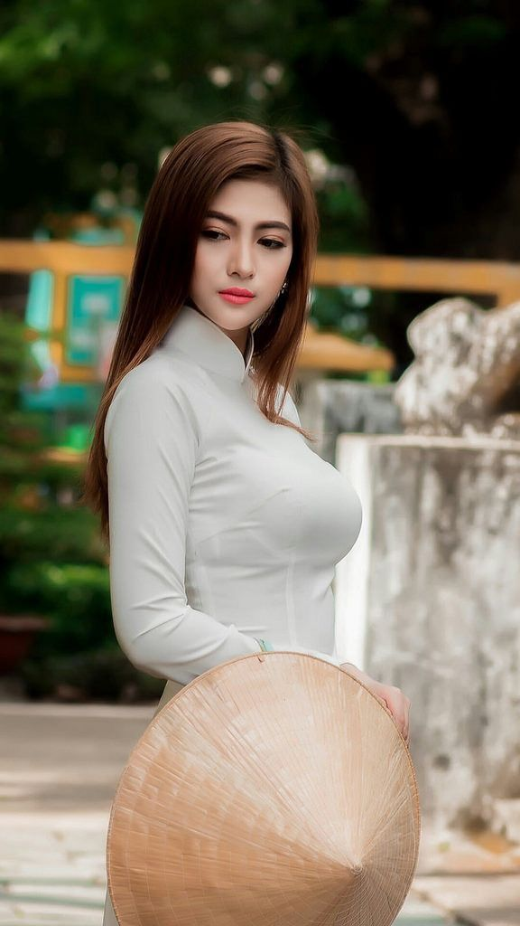 9 best Beautiful Vietnamese Women in The Ao Dai images on