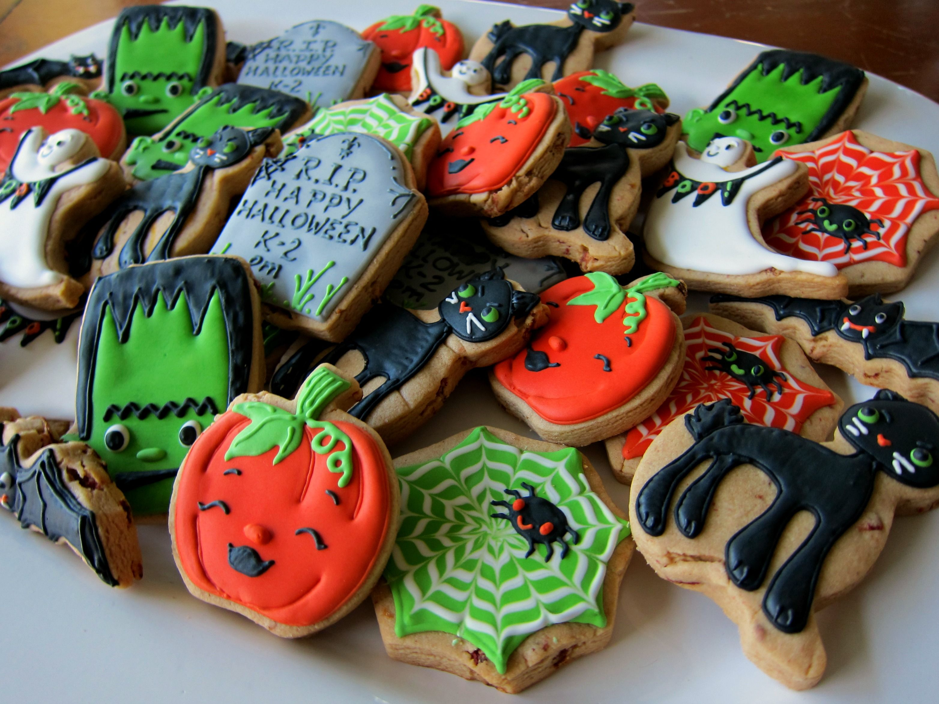 Halloween Decorated Cookies cookies Pinterest Halloween foods - Halloween Decorated Cookies