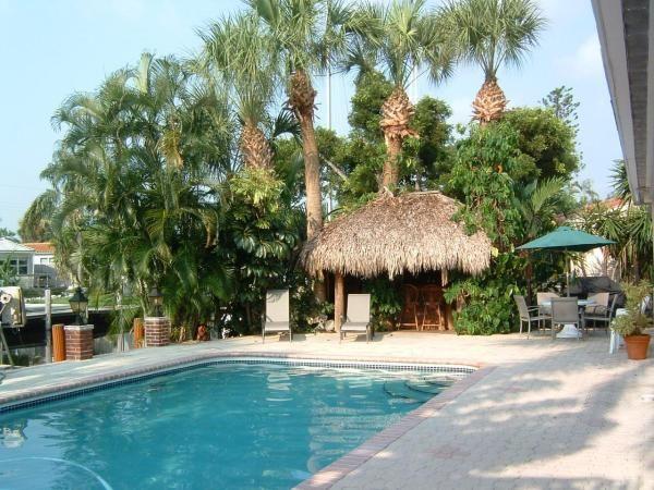 Backyard pool tiki bar Dream House Pinterest Tiki bars Garden