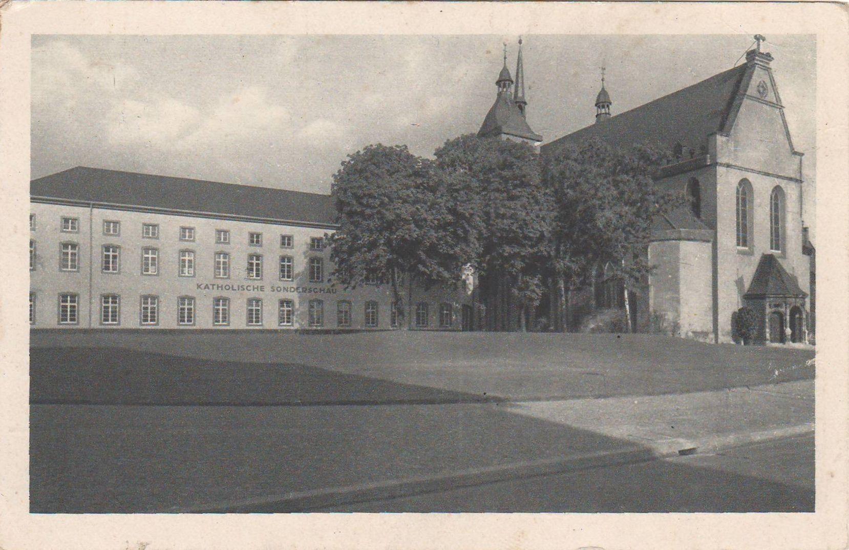 Katholische Sonderschau auf der Pressa, Köln (The Catholic Special Exhibition at the Pressa Exhibition, Cologne), 1927-28 (Photo: August Sander)