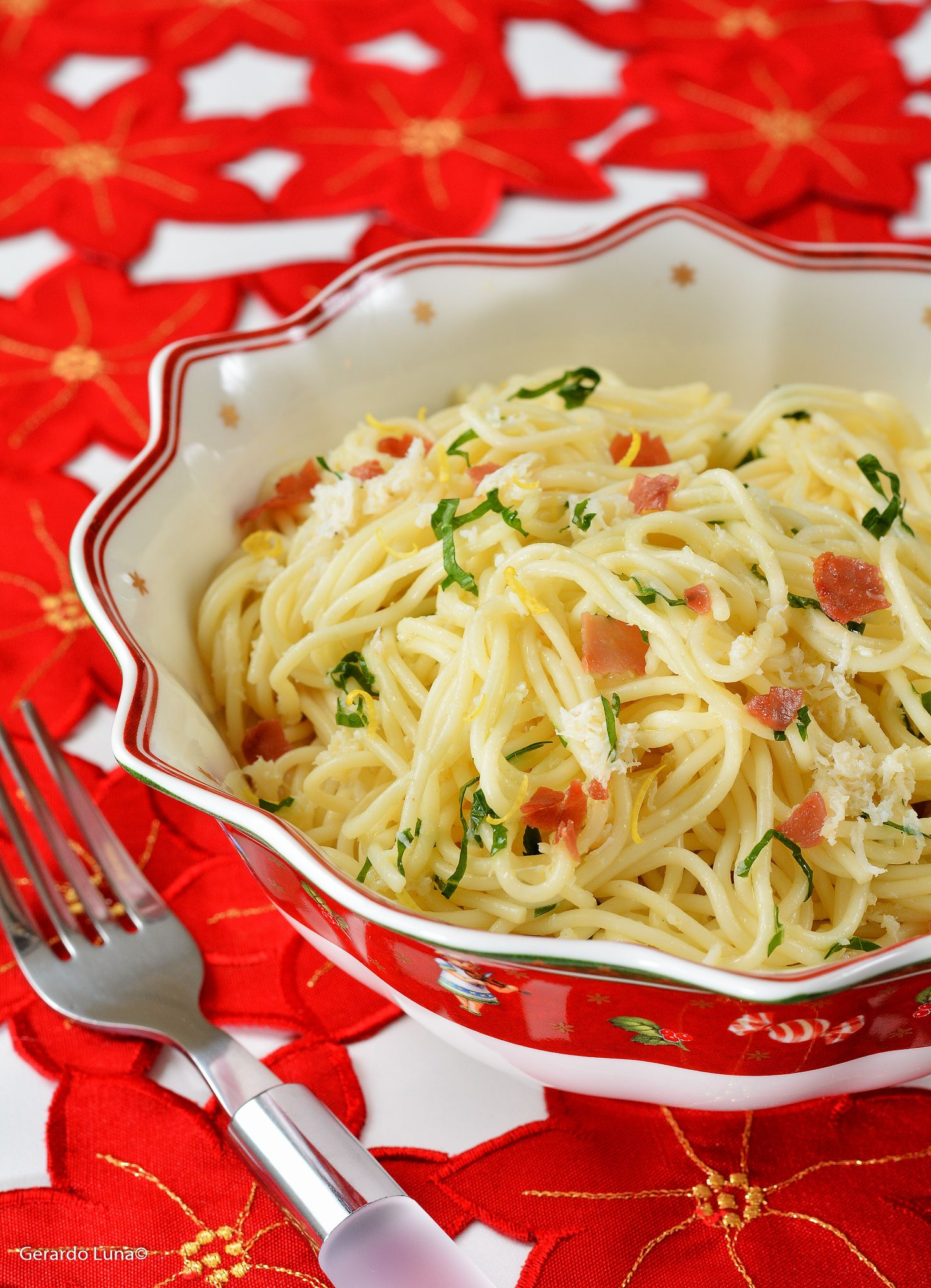 angel hair pasta with crab spicy white wine sauce and pancetta with images white wine on hebbar s kitchen white sauce pasta id=69585