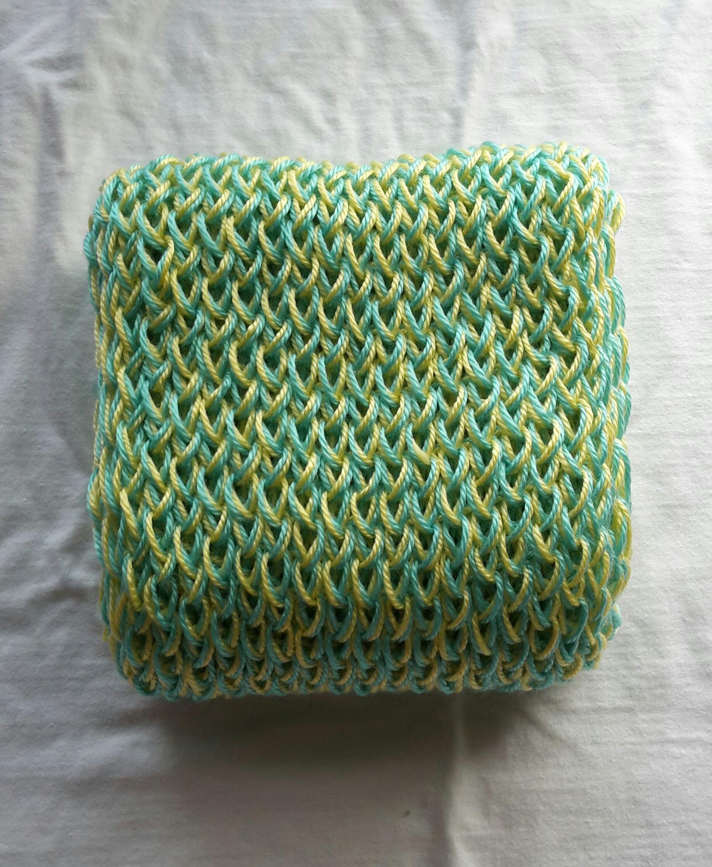 Color: Aqua & Butter
