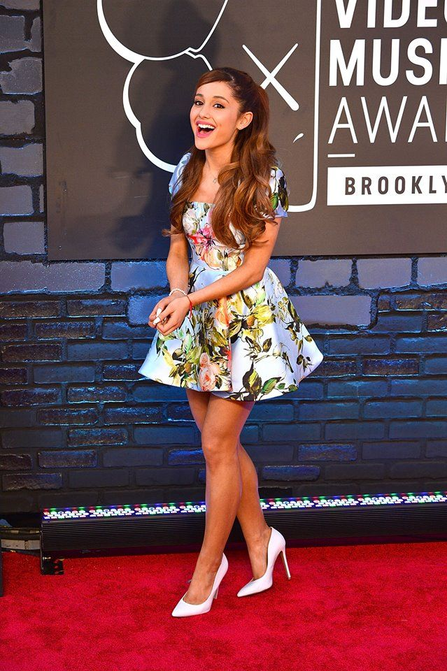 46c6b2a721 Ariana Grande red carpet floral dress yours truly