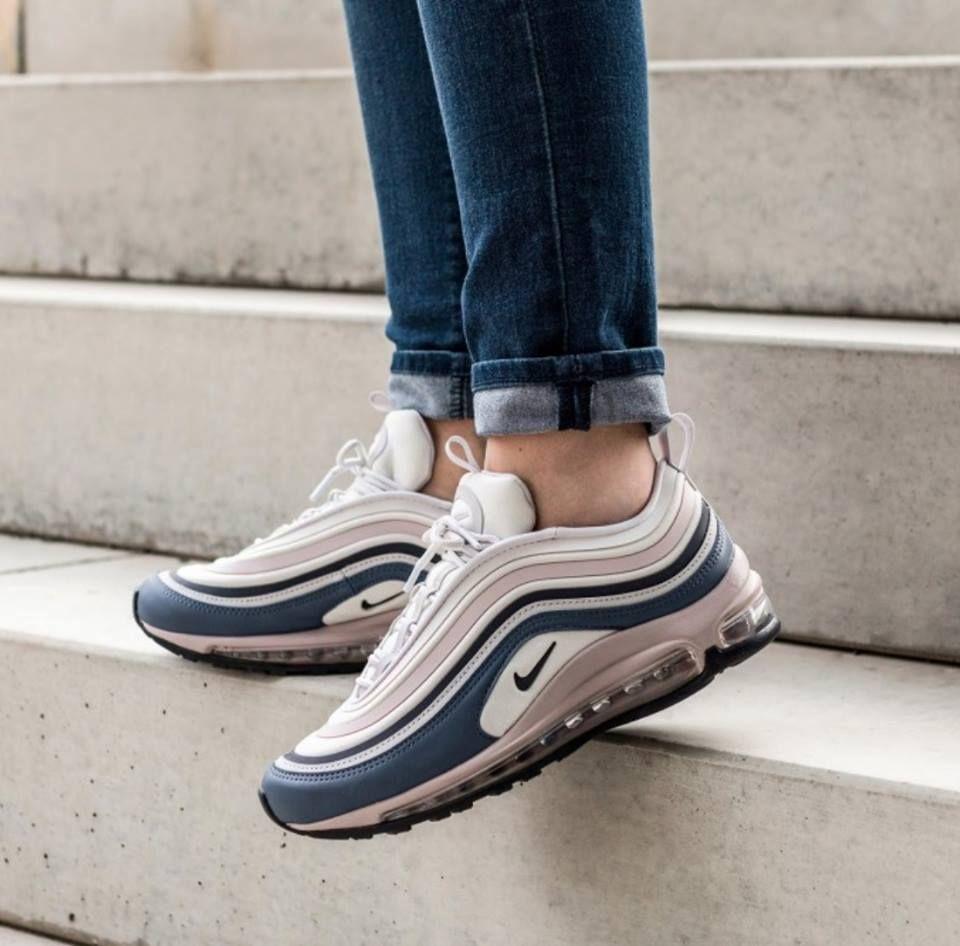 Pin by Johanna Van Elk Hindriks on Nike en Adidas in 2020