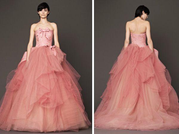 Vera Wang presenta vestidos de novia en color rosa | My weading ...