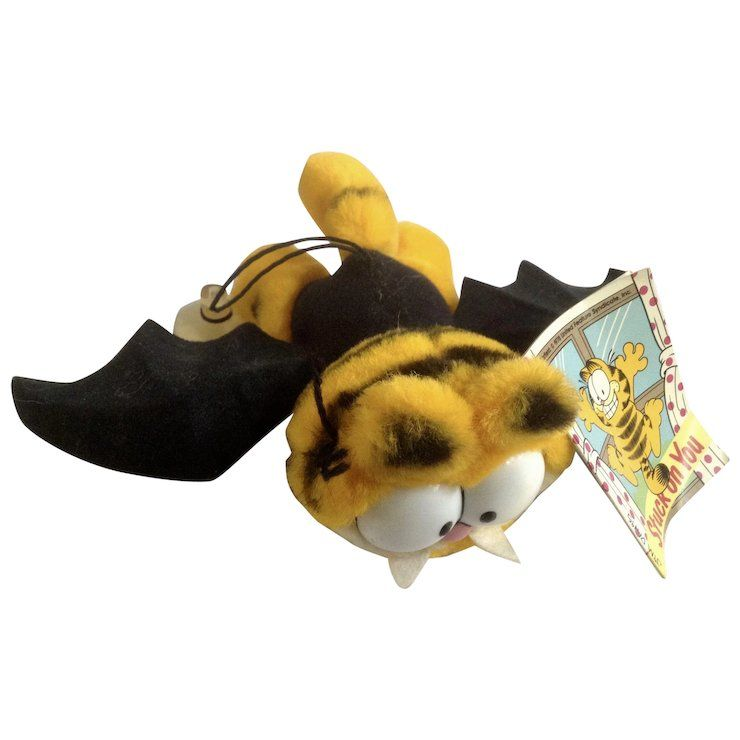 Garfield The Batty Vampire Bat Stuffed Plush Animal 1981 Dakin 16 0400 Plush Animals Stuffed Animal Cat Vampire Bat