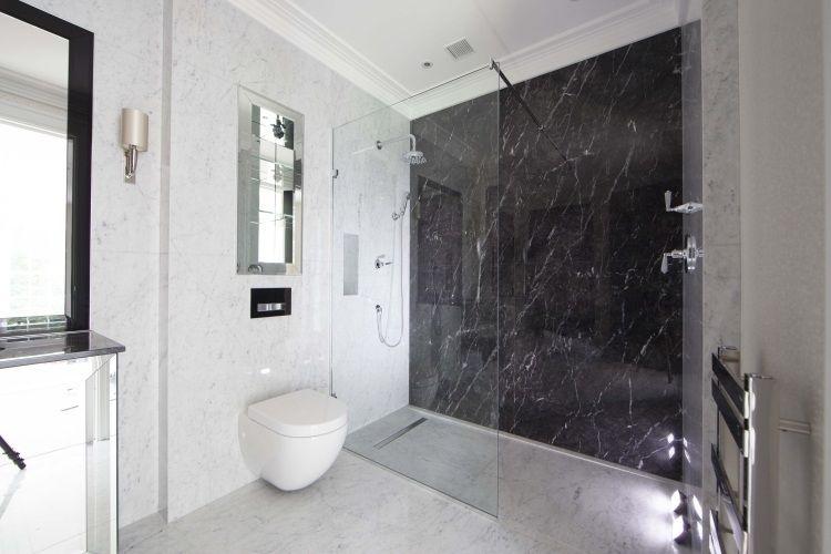 Badezimmer Aus Marmor Mit Duschabteilung Badezimmer Ebenerdige Dusche Modernes Badezimmer