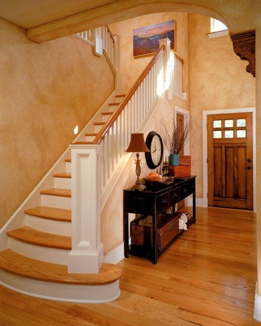 Tuscan Wall Color, Corbel And Stairs