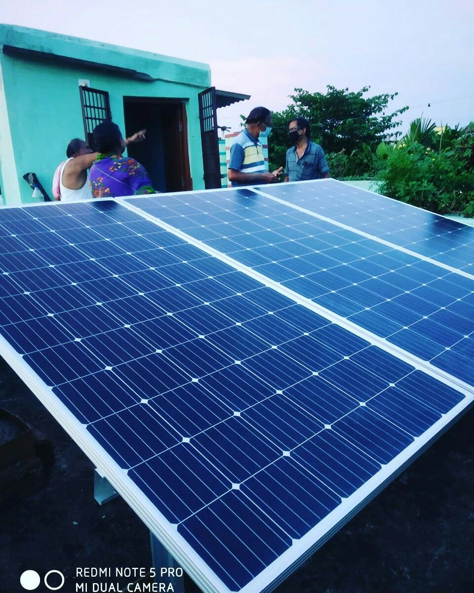 Heleark Solae In 2020 Roof Solar Panel Solar Solar Power System