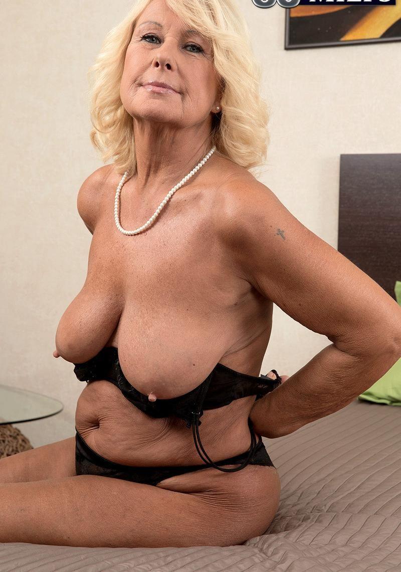 Nice mature women-6919