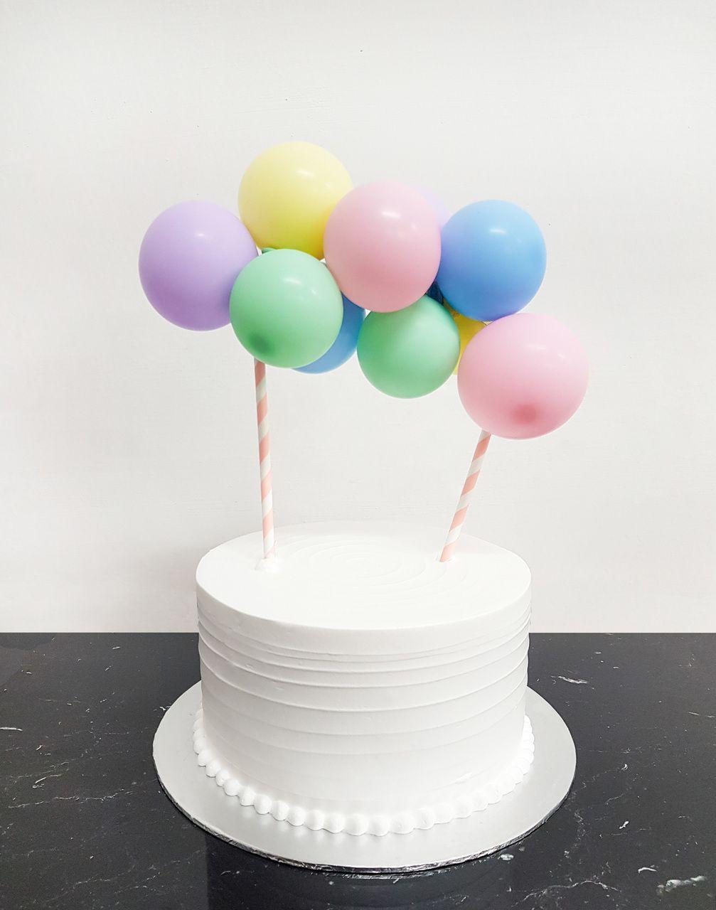 [Petit] Create Your Own Organic Balloon Garland Cake