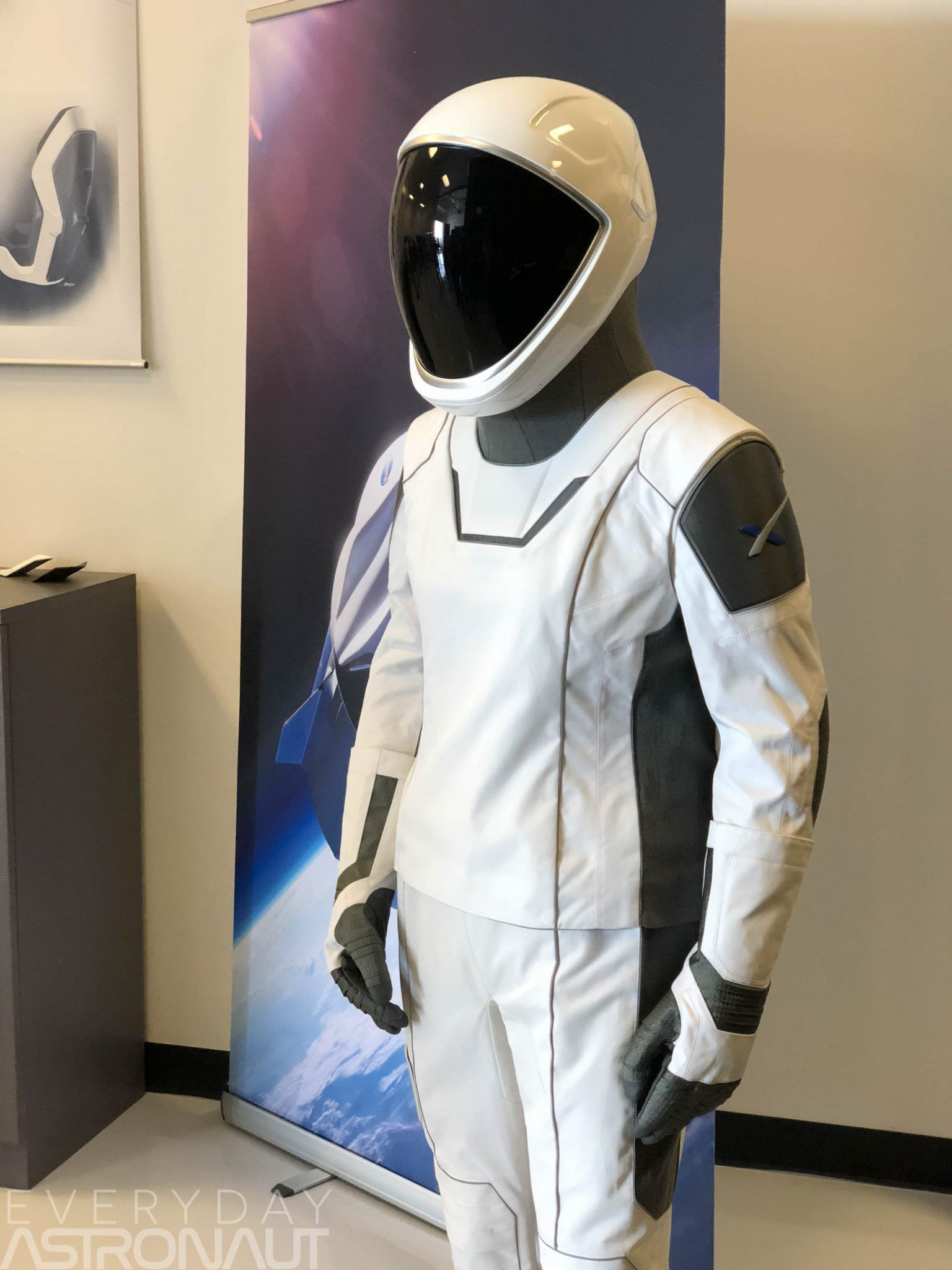 pictures SpaceX Plan To Make New Sexy Spacesuits