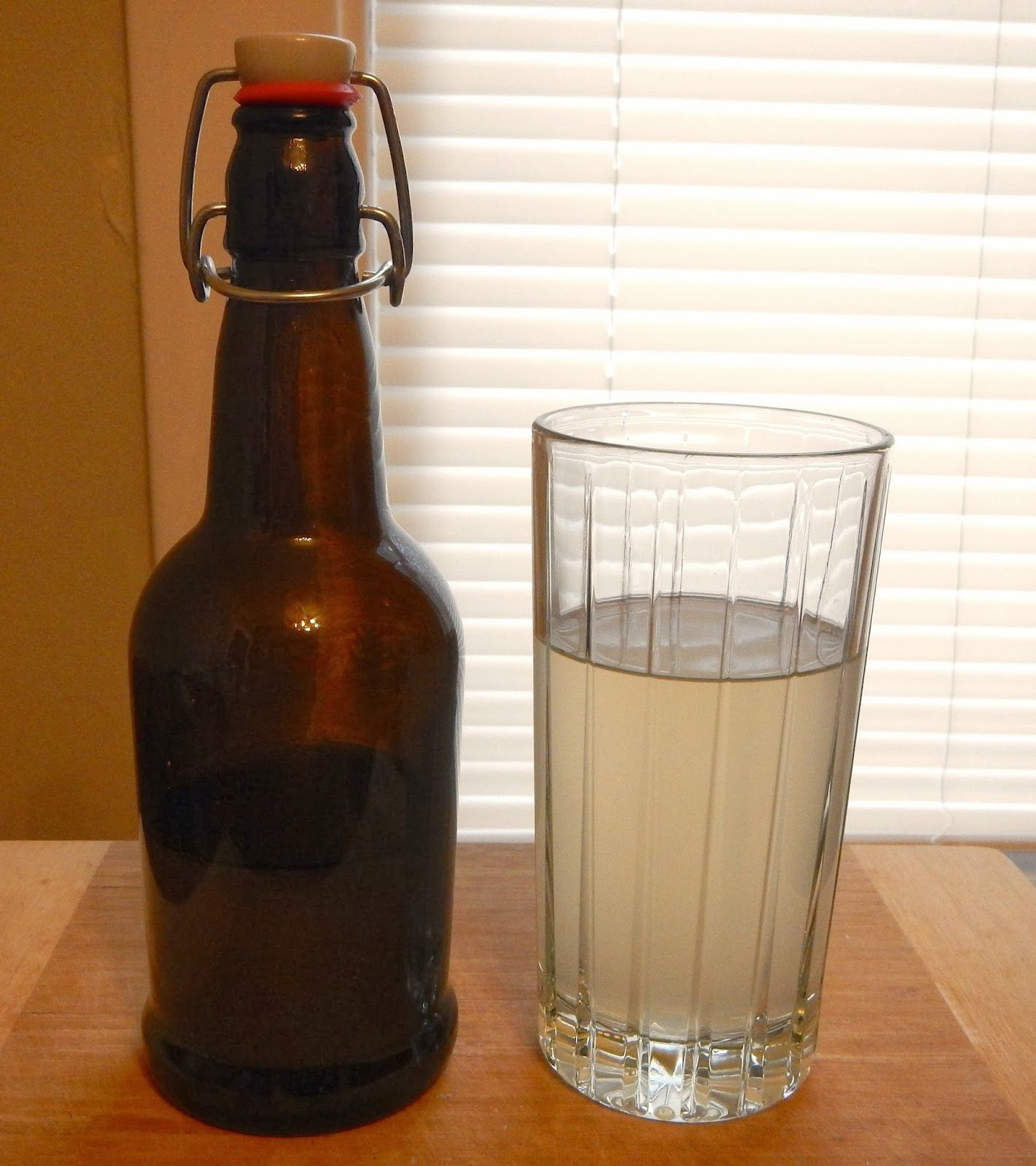 "Brewing Ginger ""Beer""- Learn how to make this tasty non-alcoholic beverage right at home! http://www.daybydayhomesteading.com/2014/03/brewing-ginger-beer_5.html"