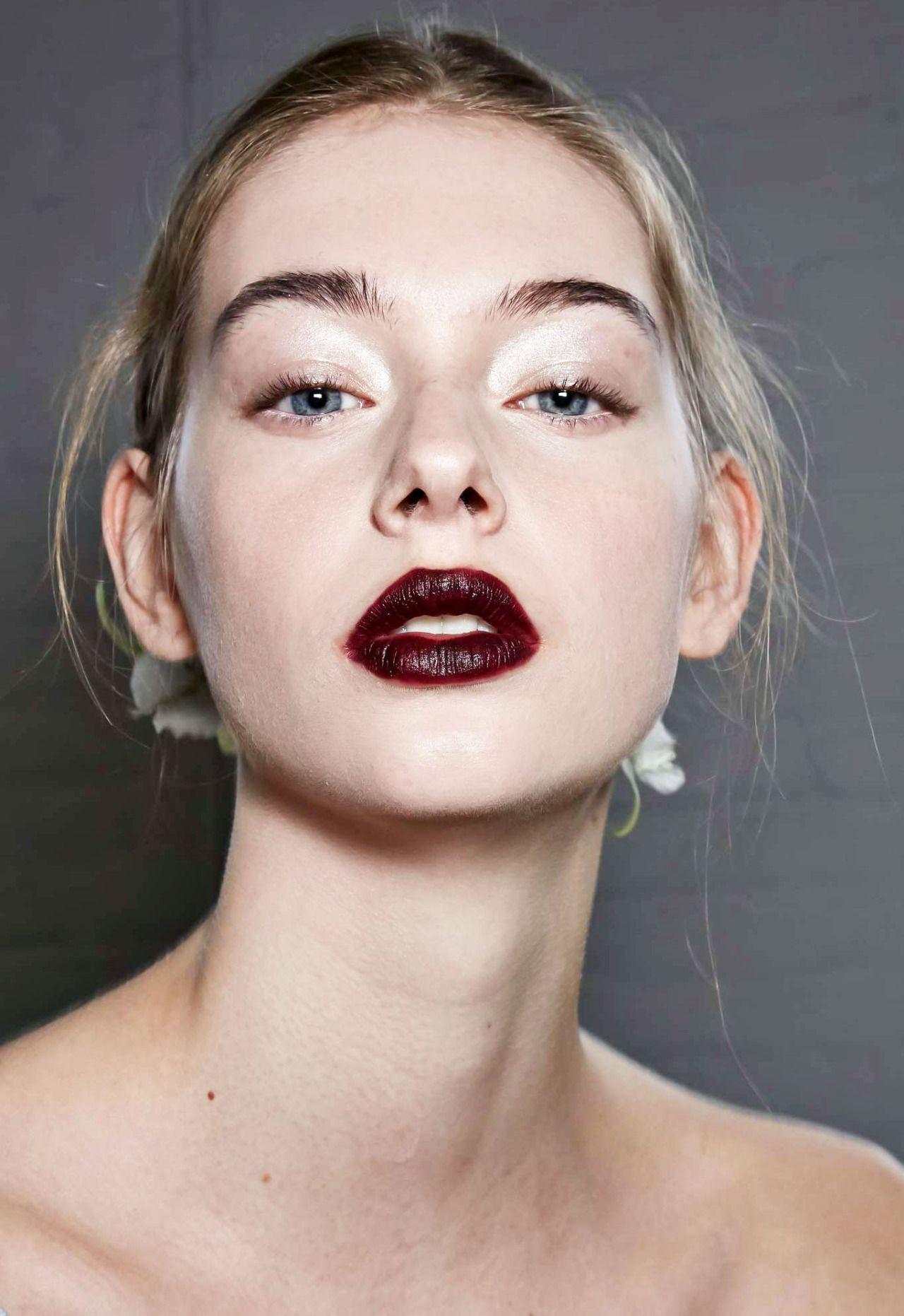 Lauren de Graaf - Beauty at Rodarte Fall 2016, New York ...