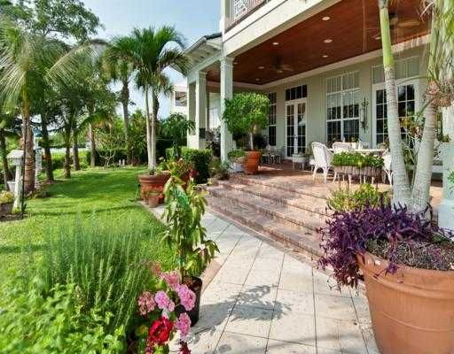Inviting Patio Of A Vero Beach Home. Great Outdoor Living Space. Http:/