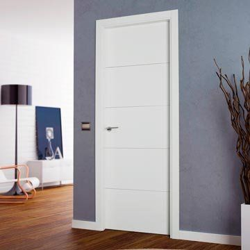 San Rafael Lacada Flush Door   Model 9005 White Painted
