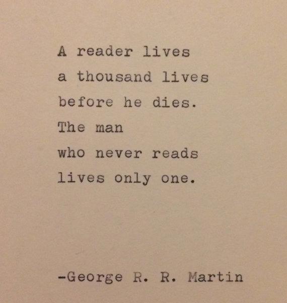 George R. R. Martin Quote auf Schreibmaschine