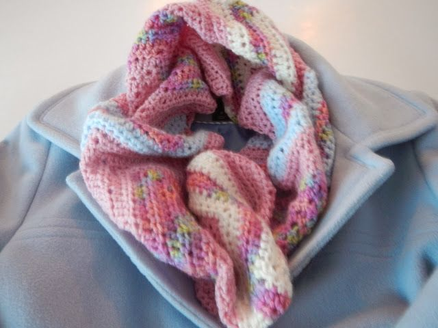 Chevron Infinity Scarf in HDC - Pattern and Tutorial (Apple Blossom ...