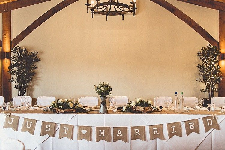Top Table Rural Rustic Relaxed Barn Wedding Http Annaclarkephotography