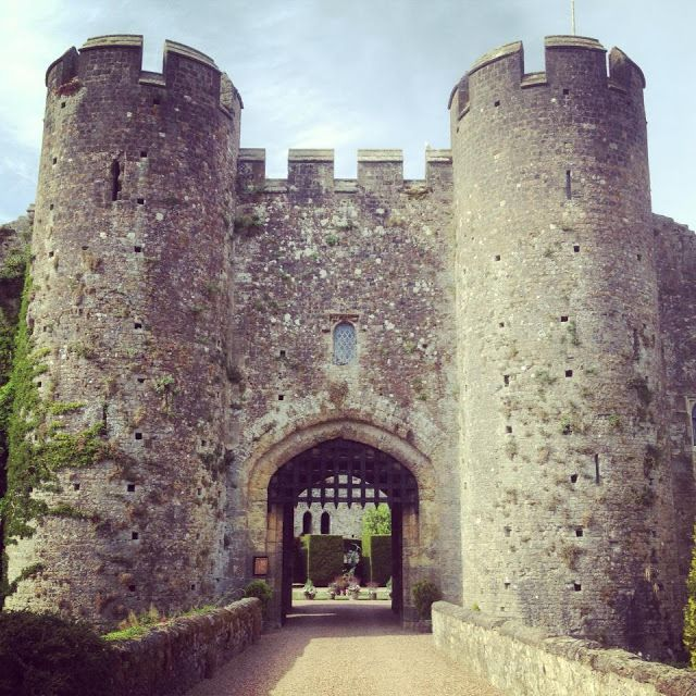 Whim Biscuit: Romance and fine dining- Medieval Style! Amberley Castle Hotel Review.