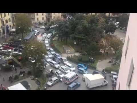 Napoli, ore 13:45: si paralizza piazza Medaglie d'Oro