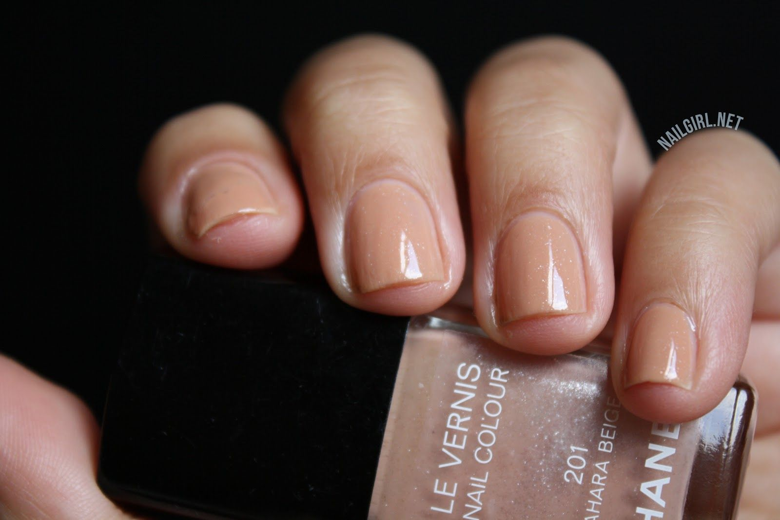 nail girl swatch & chanel