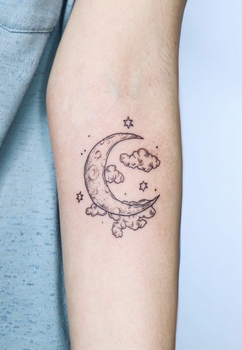 Moon And Cloud Tattoo The Most Beautiful Moon Tattoo I Have Ever Seen By Zayahastra On Ig Cloud Moon In 2020 Cloud Tattoo Moon Tattoo Designs Moon Tattoo