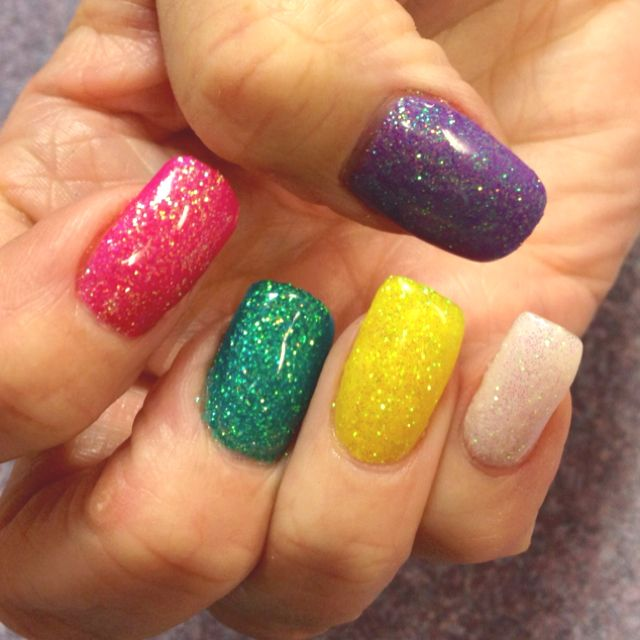 Spring has Sprung on Louannes Sparkly Glitter Gel Nails!!! Nails By ...