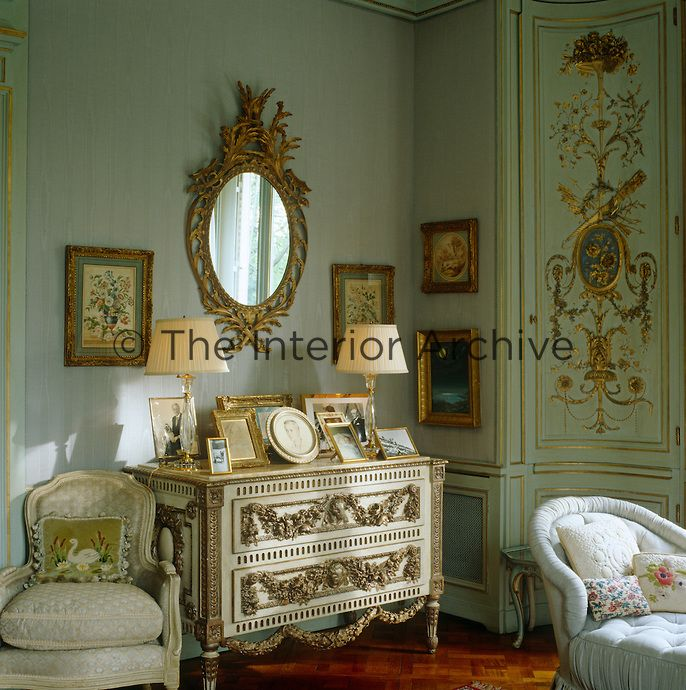 In The Duchess Of Windsoru0027s Bedroom A Large Mirror And Some Small Paintings  In Gilt Frames