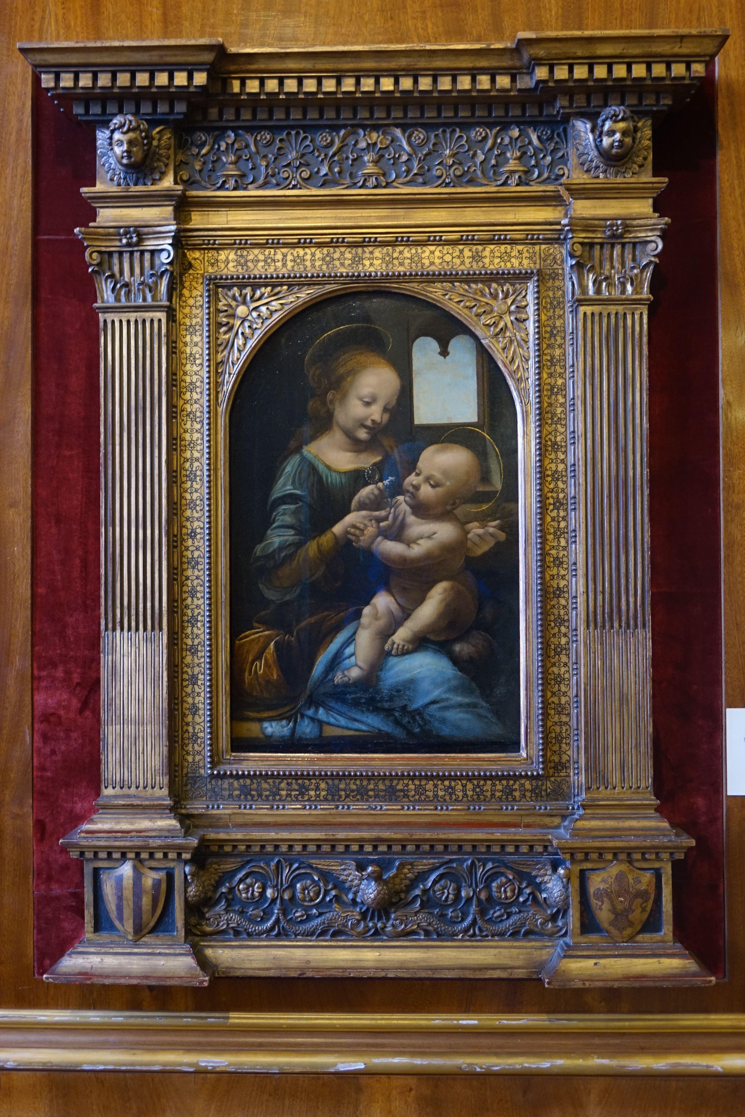 Leonard De Vinci La Vierge A La Fleur Ermitage Saint