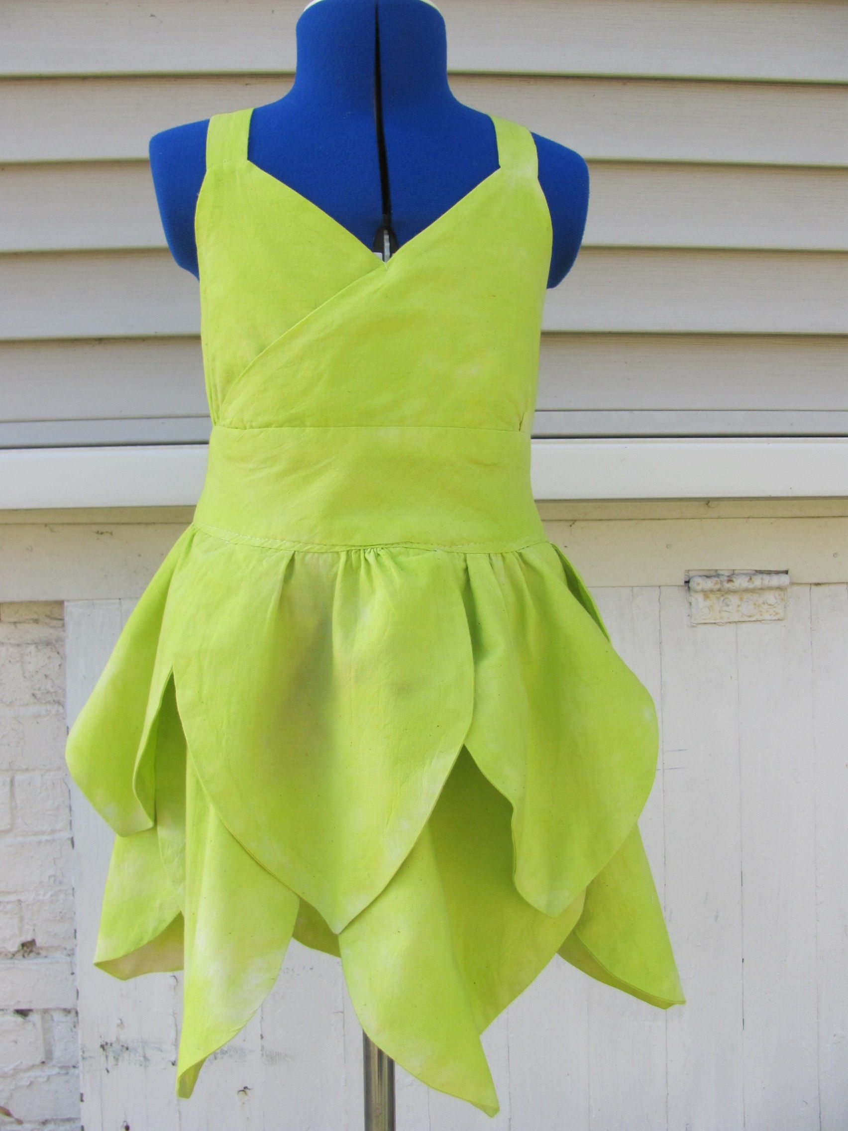 The perfect Tinker Bell costume for your Disney vacation or for Halloween! It will make her feel like a fairy and help her believe in all that Disney magic!  Natural fibers, hand dyed.  Available at irishandmore.etsy.com