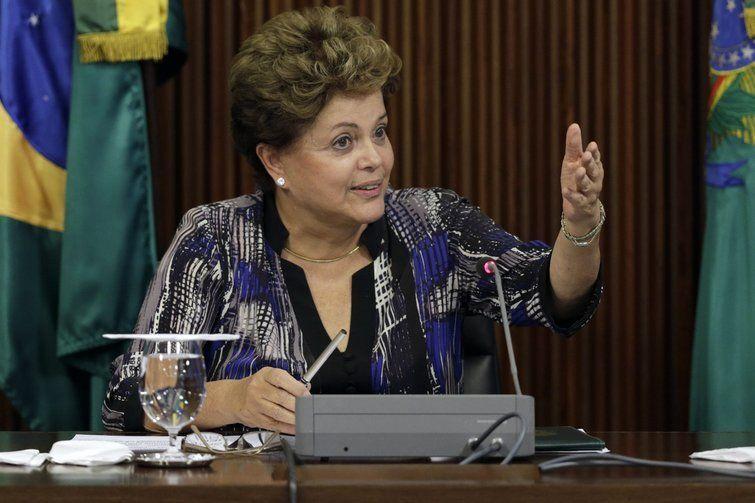 Polêmica faz defesa de Dilma desistir de uma testemunha - http://po.st/TI99jo  #Política - #Impeachment, #Julgamento, #Testemunhas