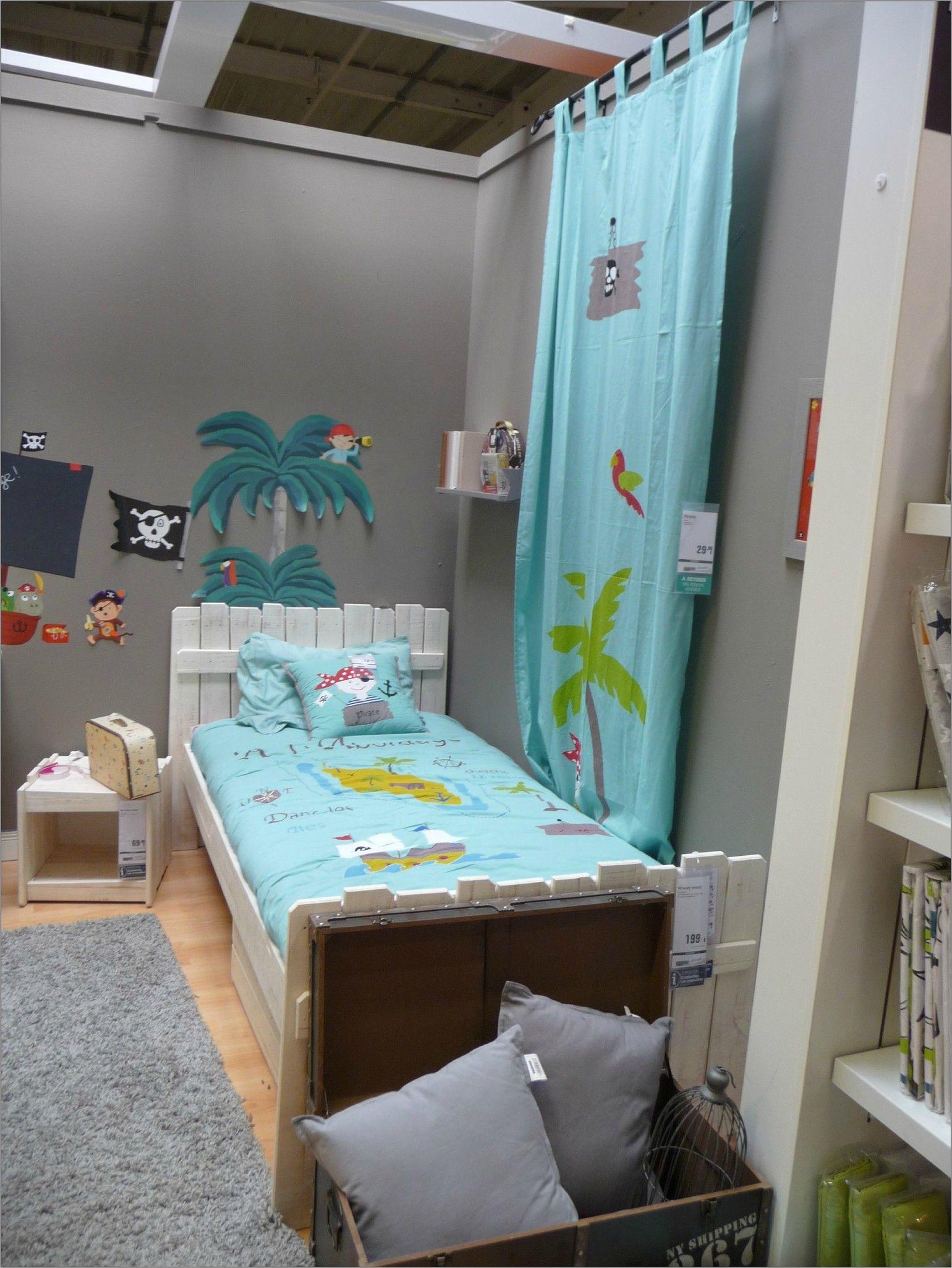 Idee Deco Chambre Garcon Pirate  Idee deco chambre garcon, Deco