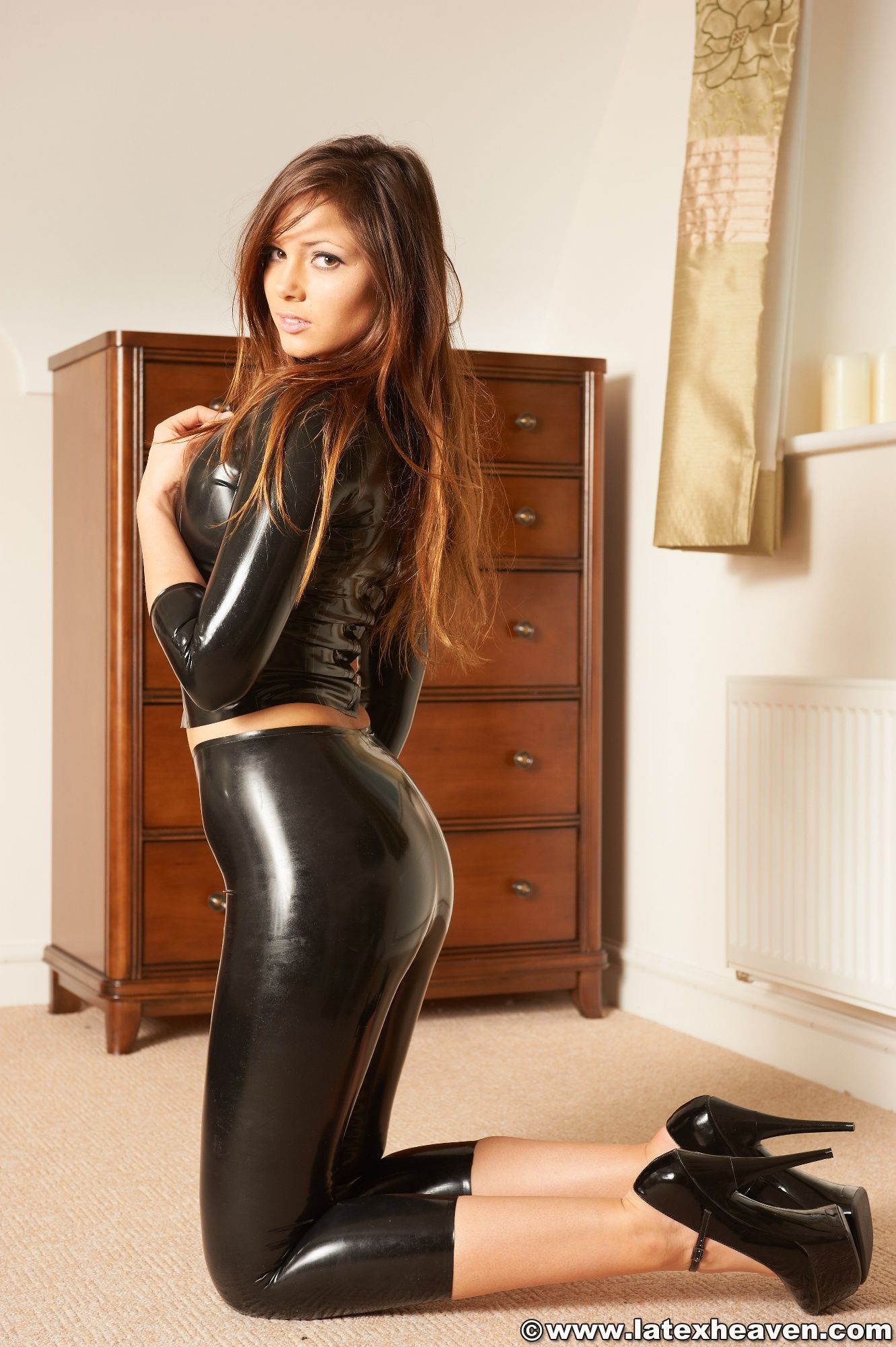 Remarkable, latex tight white