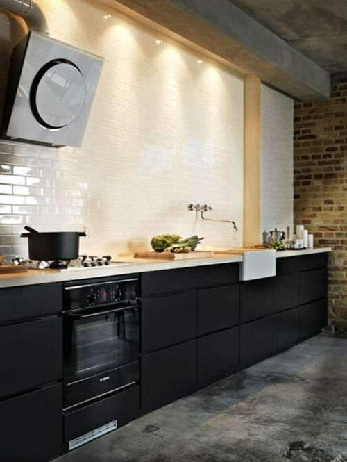 Viele Designer Raten Vom Dunklen Farbschema In Der Küche Ab. Wir Zeigen  Ihnen Stilvolle Ideen Für Küchen Gestaltung In Dunklen Farben, Die Den  Gegenteil