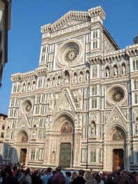 Florence Cathedral - This stunning cathedral church, or Duomo, was build by Arnolfo di Cambio and the famous dome was added by Filippo Brunelleschi, famous for his revolutionary design of a free standing dome. (this one being the largest of its time)