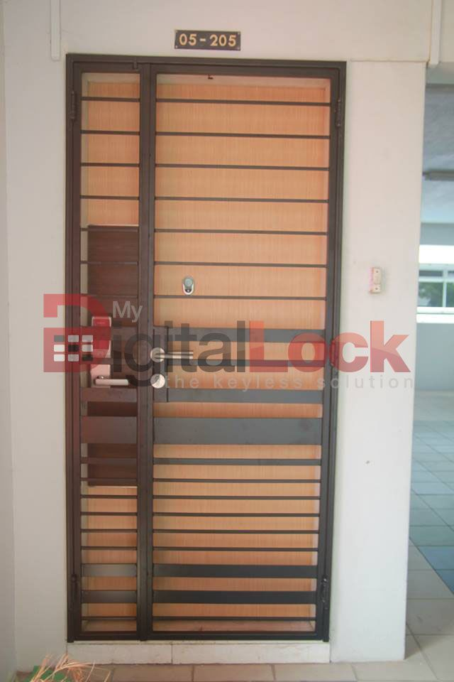 Hdb Wrought Iron Gate Singapore Google Search Wrought Iron Gate Iron Gate Working Area