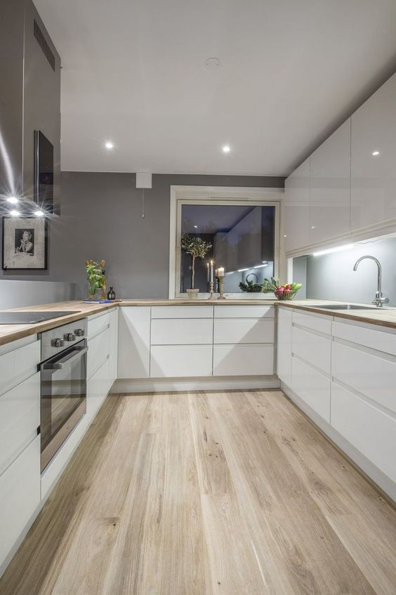 I love this kitchen style and layout, just with a darker wood on the floor and counter top. A greyish wood. #countertop