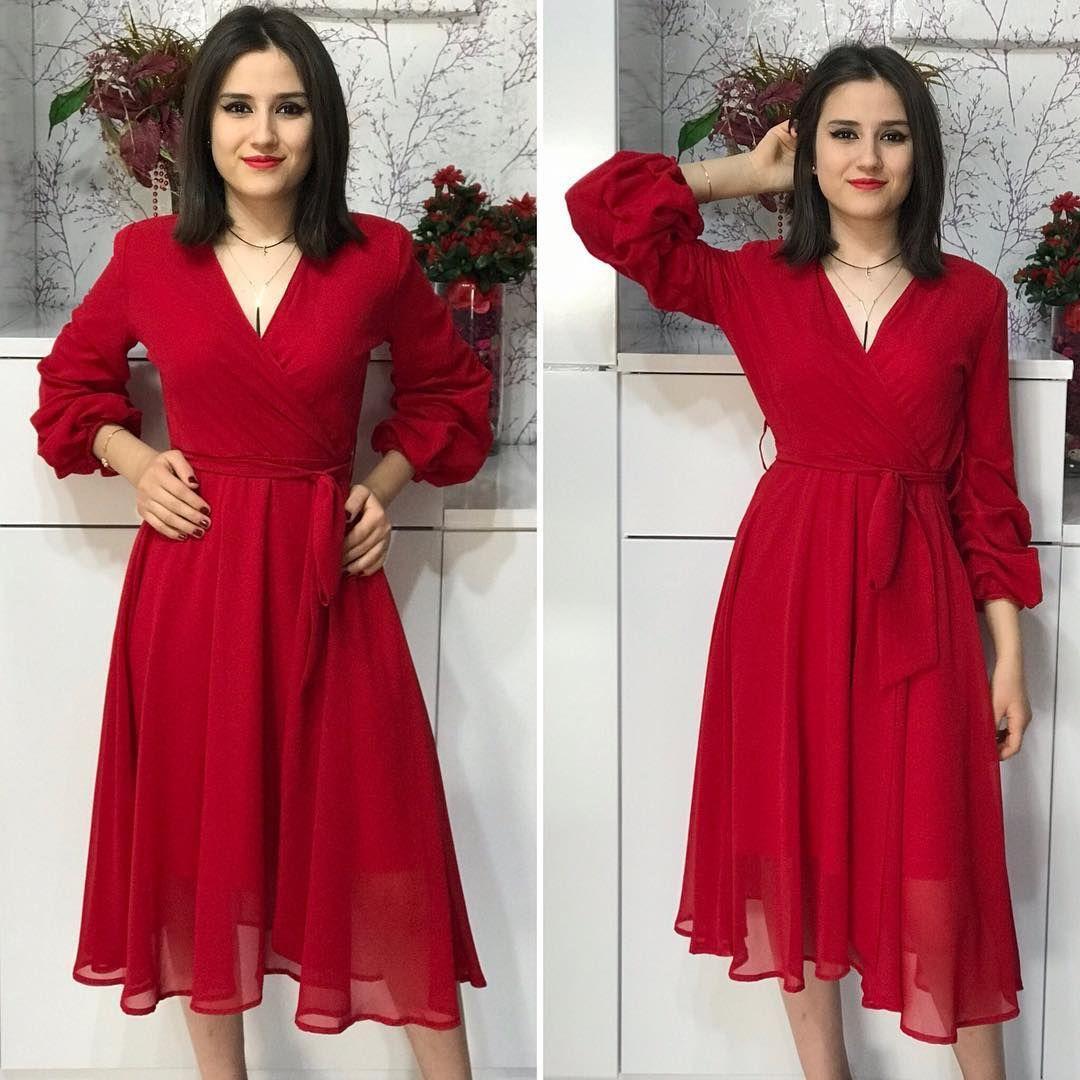 Ici Astarli Ucus Ucus Sifon Elbisemizin Kollarinda Buzgu Detayi Var Cok Rahat Cok Sik Bir Model Bedenleri S M L Seklindedir Fiyat Giyim Elbise Sik