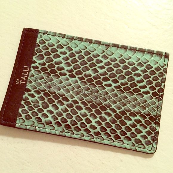 """Real alligator skin Mint Green Cardholder - NEW Limited edition real alligator skin cardholder in a mint green color. Texture is very soft as jt was """"flattened"""" and coated. Brand is called Talli which is very well-known in South Korea. There are a number of compartments I tried to show in the pictures. Very chic to carry around!! This was a gift and I never carried it - new condition! Talli Accessories Key & Card Holders"""